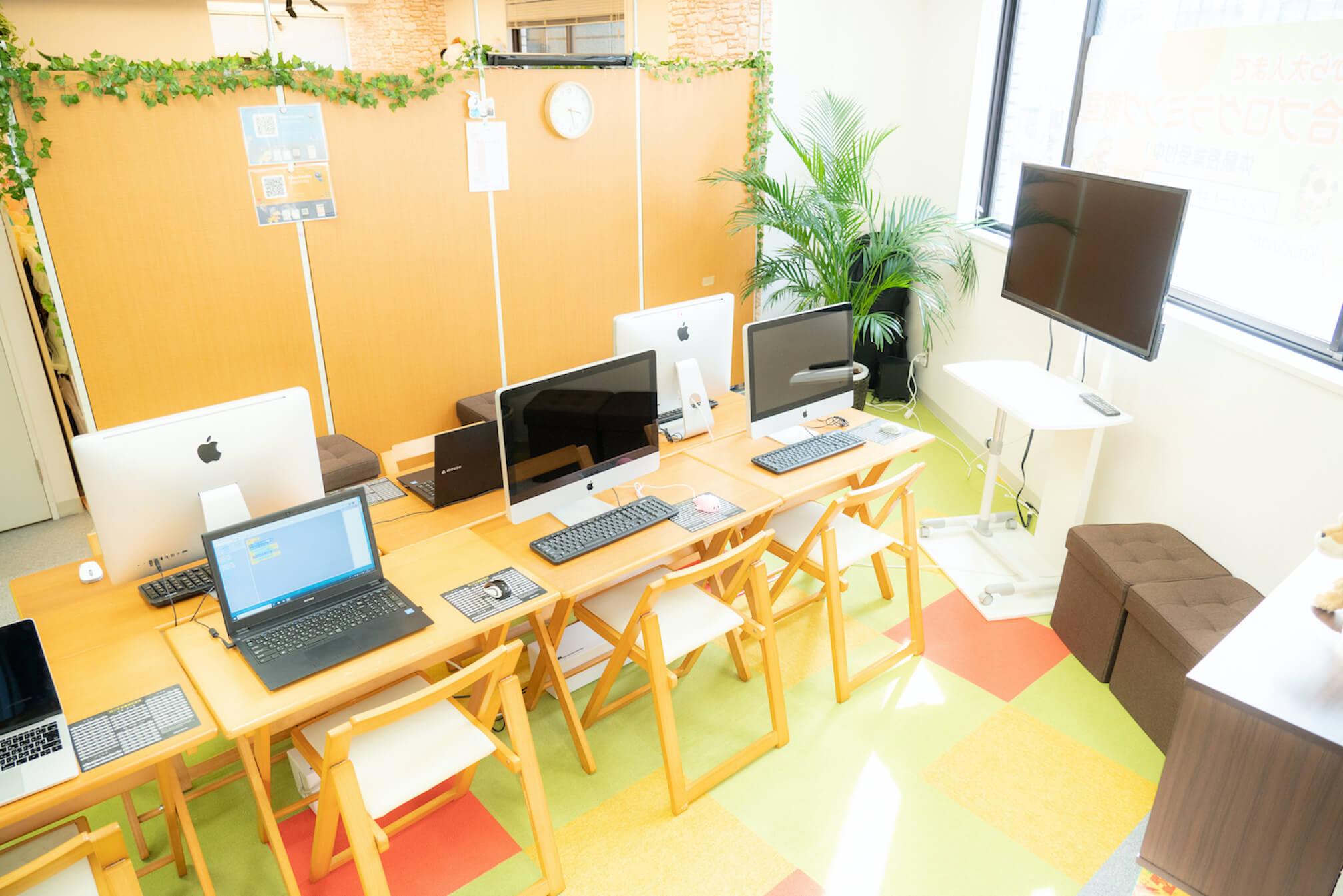 TETRA UPのプログラミング教室の写真